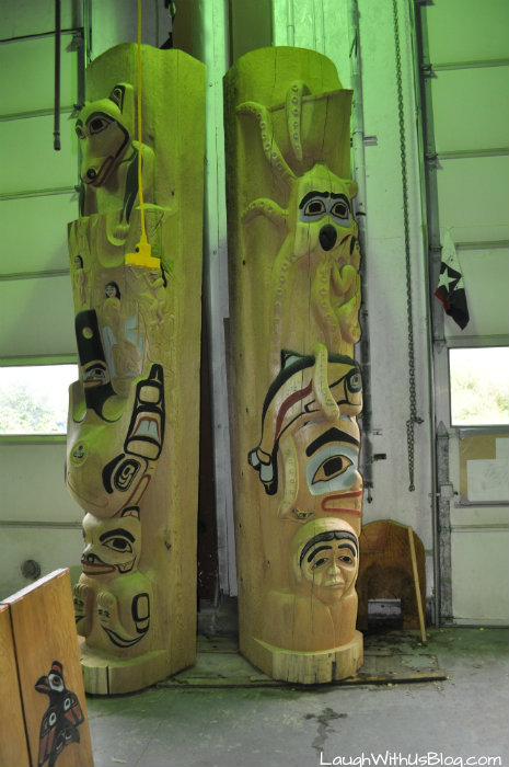 Hoonah totem pole carving