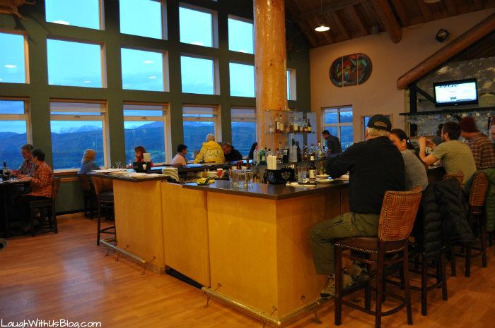 The Grande Denali Lodge Peaks Spirits Lounge