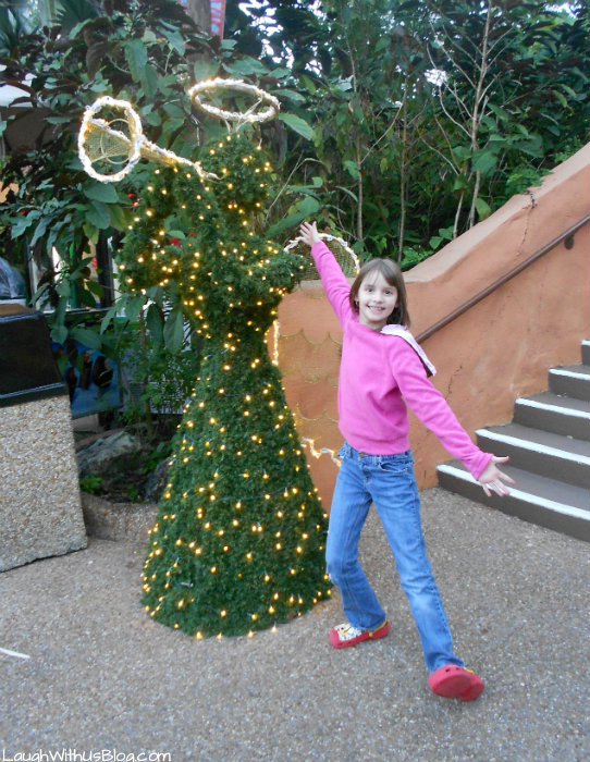 Christmas Decor at Busch Gardens #ChristmasTown #sponsored