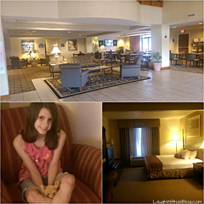 Wingate by Wyndham hotel room