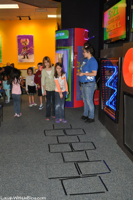 Chuck E Cheese Birthday Party Hop Scotch