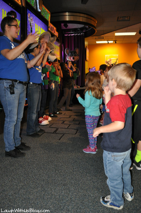 Chuck E Cheese Dance Party