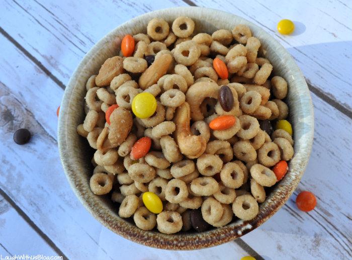 No Bake Sweet Cashew Cheerios Snack Mix