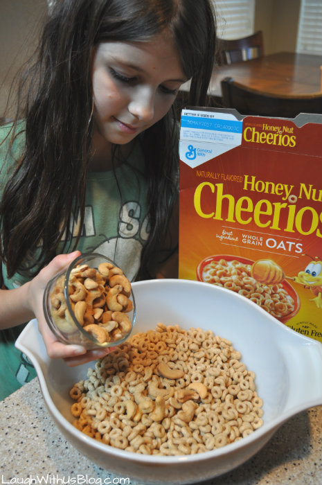 Sweet Cashew Snack Mix with Cheerios