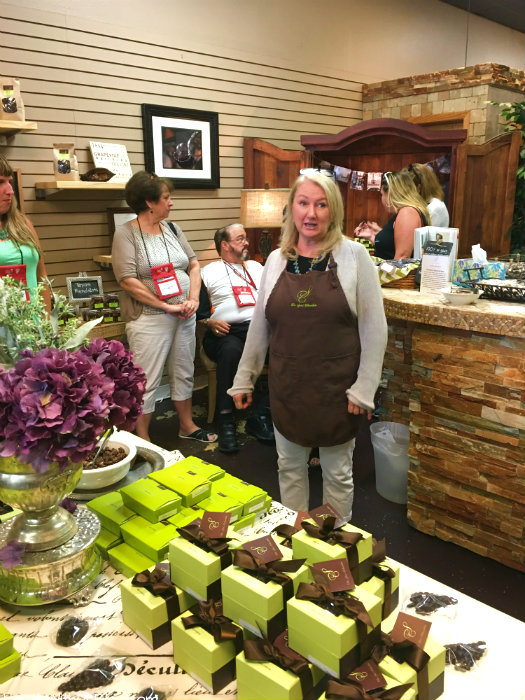 grapevine-foodie-tour-sues-chocolates