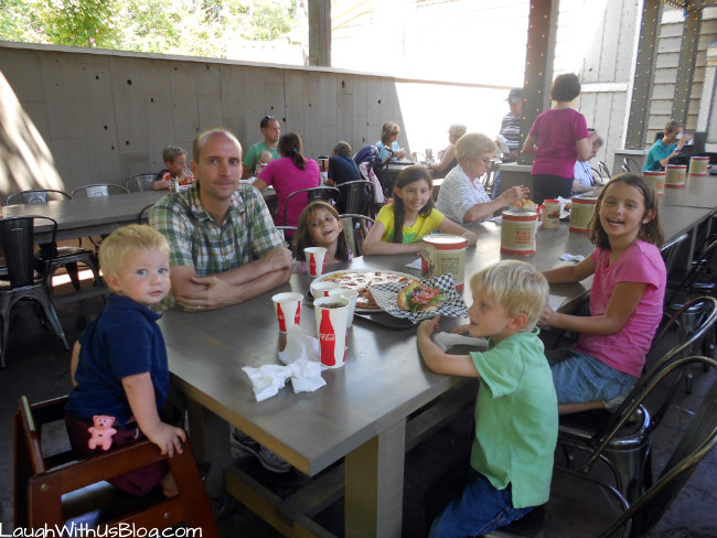 Dining at Silver Dollar City #spon