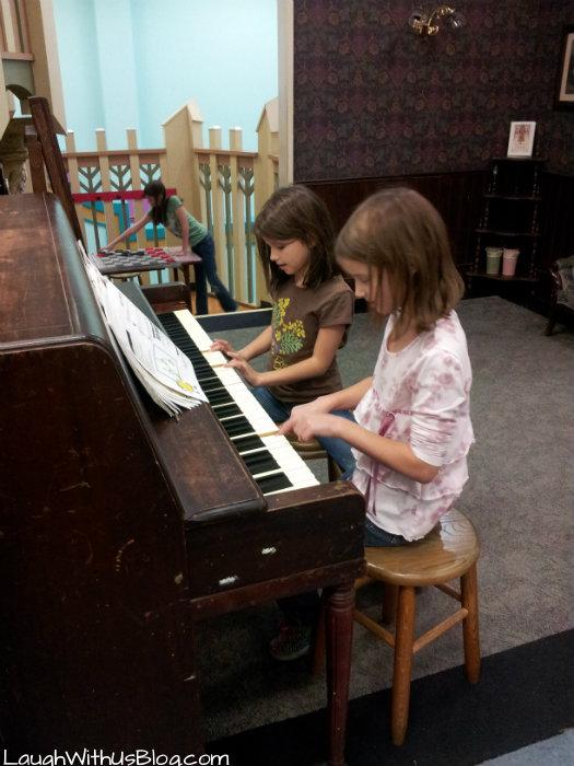 Play piano San Antonio Children's Museum