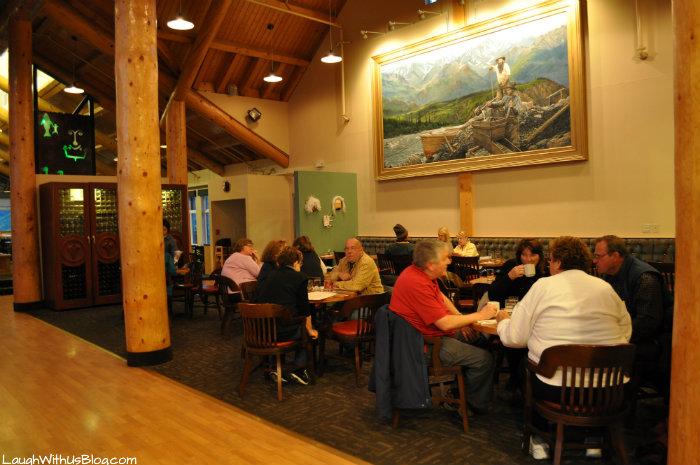 Peak Spririts Lounge Great Denali Lodge