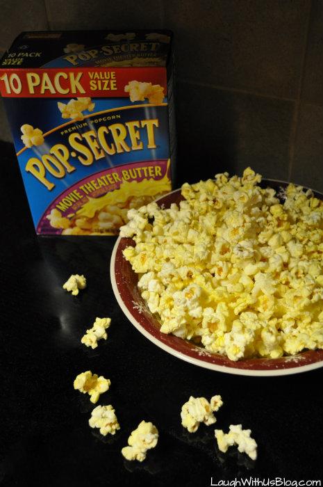 Snacking with Pop Secret #PopSecretForts