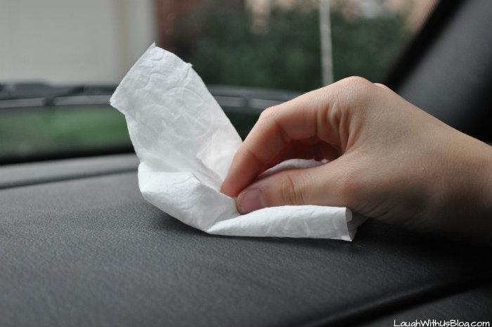 Huggies Wipes at Walmart Clean the Car #TripleClean #ad