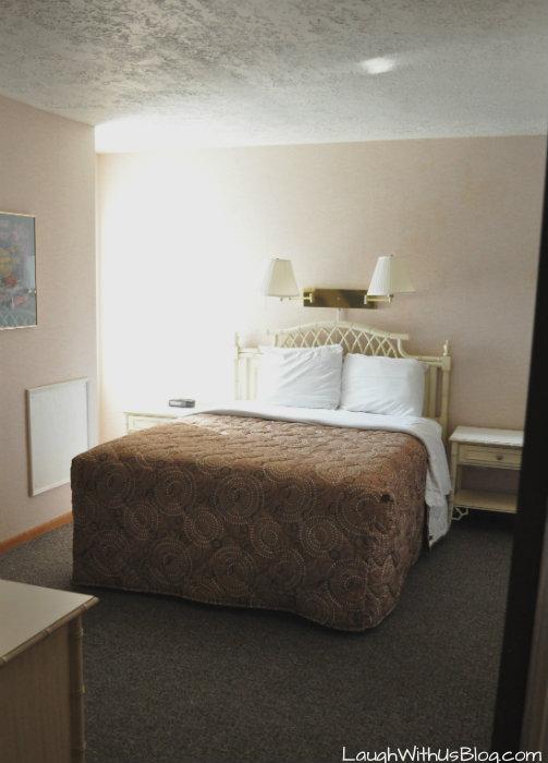 Lake Conroe Homeowners Sweetwater 12 Master bedroom