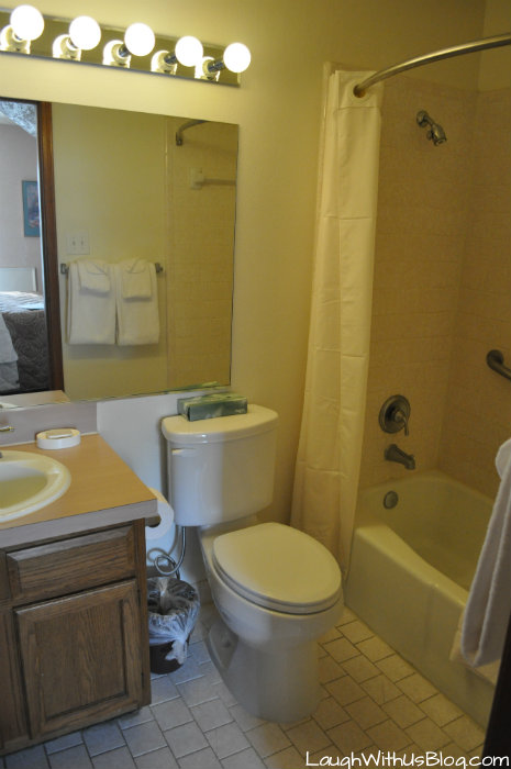 Lake Conroe Homeowners Sweetwater Master bath