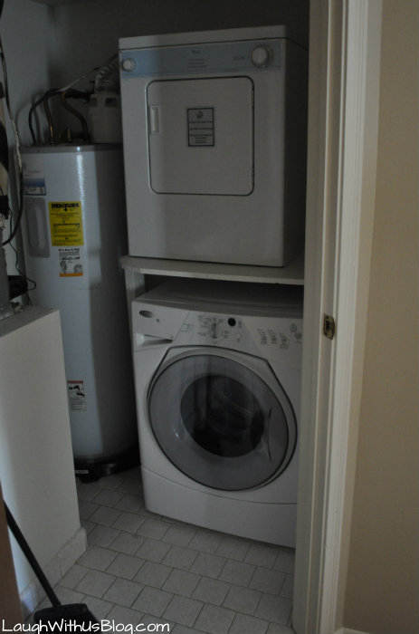 Lake Conroe Homeowners Sweetwater laundry room