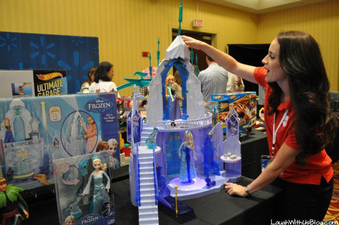 Elsa's Ice Magic Palace at Walmart #Chosenbykids #TheList #ad