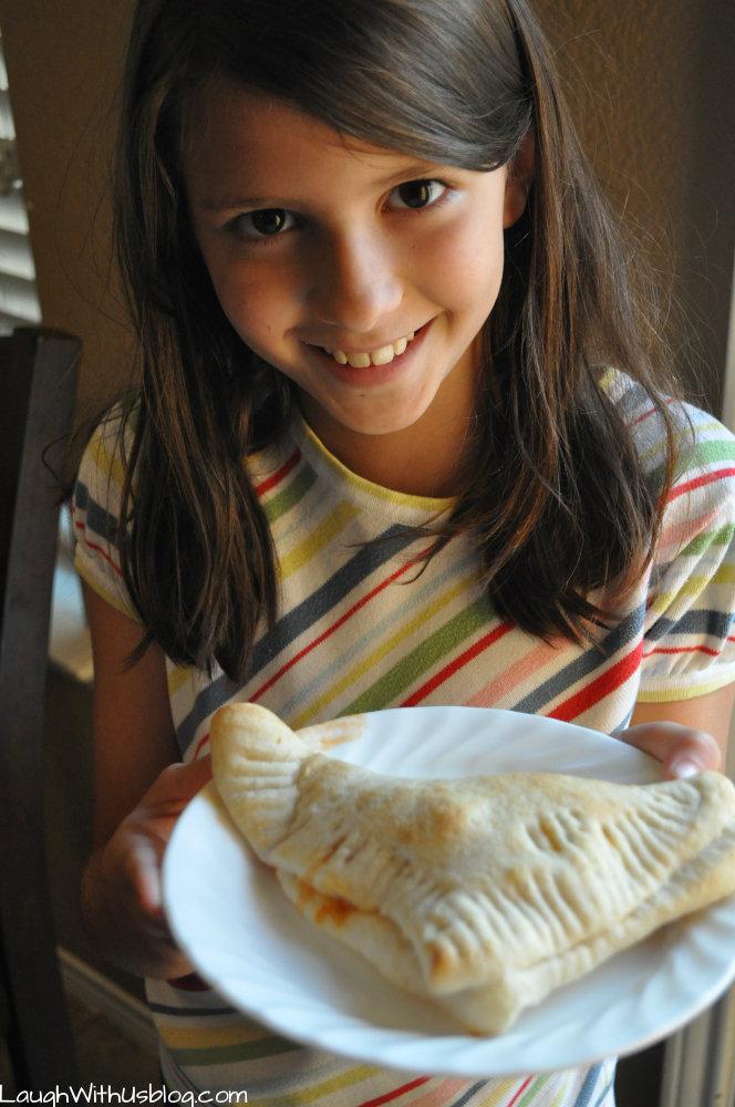 #KidsInTheKitchen Easy Pizza Turnovers