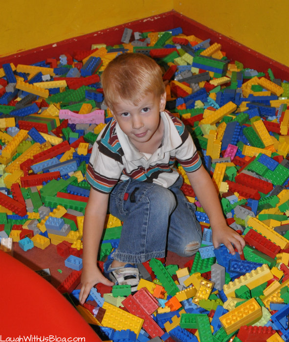 LEGOLAND Discovery Center Toddler +LEGO pit! #hosted