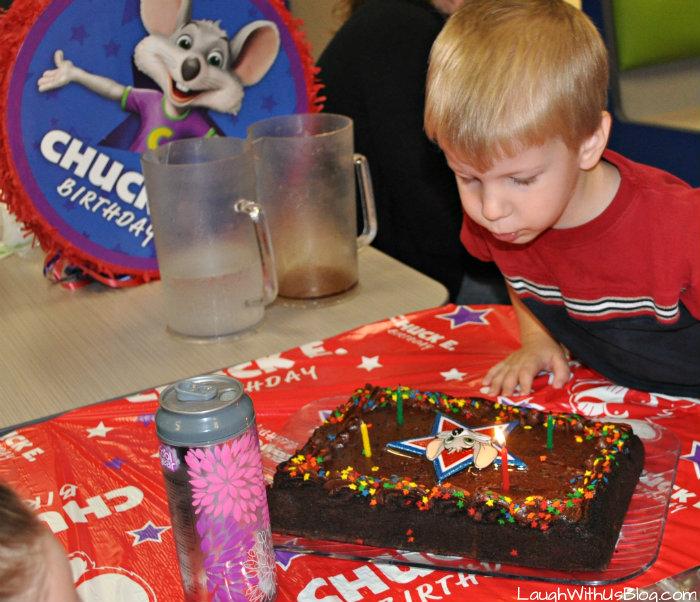 A Chuck E Cheese Birthday Party