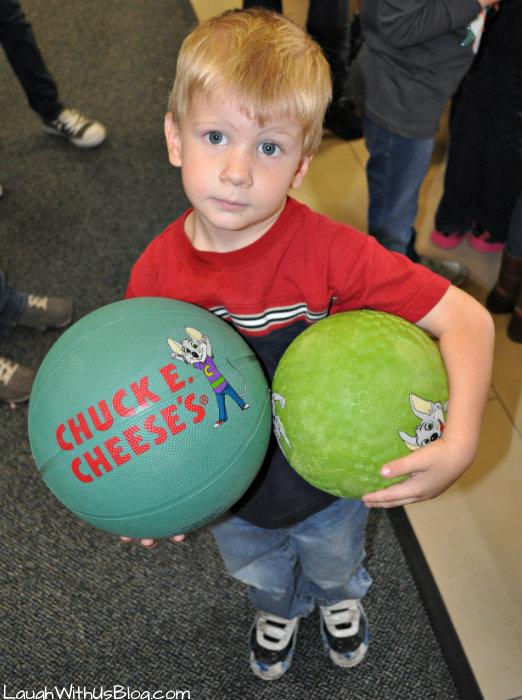 Chuck E Cheese Prizes