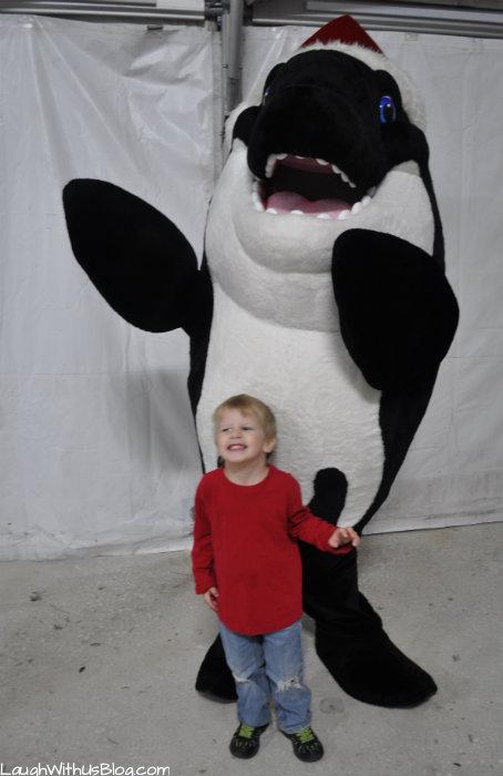 SeaWorlds Christmas Celebration Shamu Claus