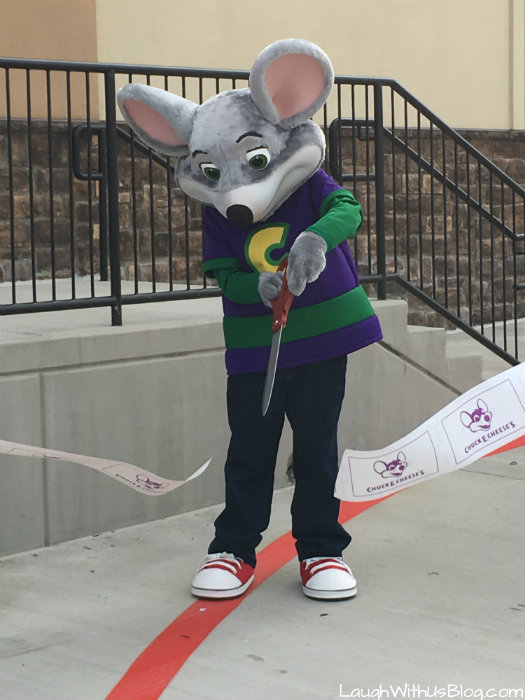Chuck E Cheese Ribbon Cutting Fort Worth #ChuckECheeses #hosted