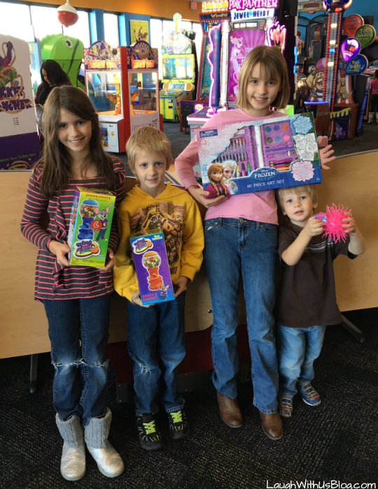 Chuck E Cheese prizes #chuckecheeses #hosted