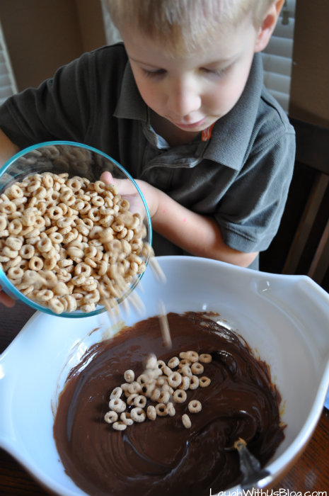 KidsInTheKitchen Cheerios bars