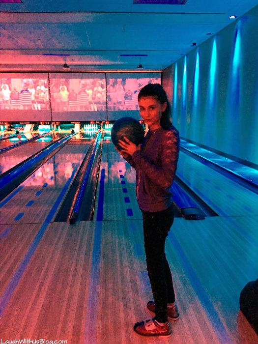 main-event-bowling-eatbowlplay-headforfun-ad