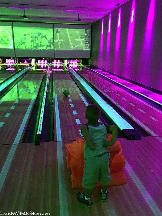 main-event-bowling-for-littles-eatbowlplay-headforfun-ad