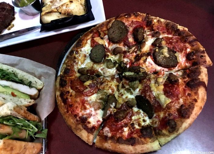 main-event-meat-lovers-pizza-eatbowlplay-headforfun-ad