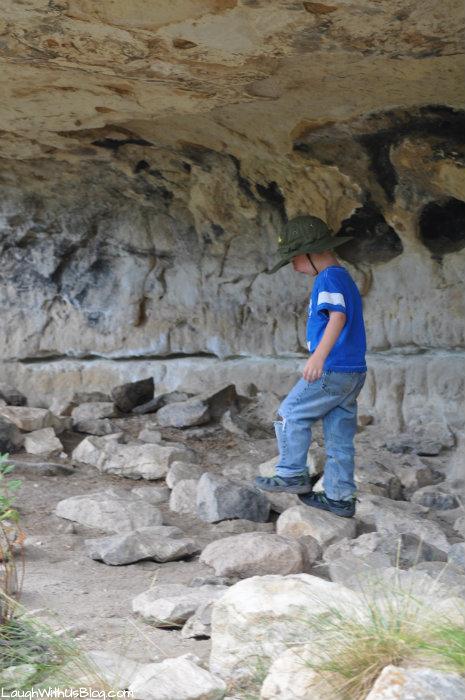 walnut-canyon-cliff-dwellings