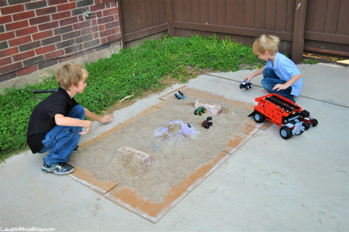 Hot Wheels Monster Trucks driveway course