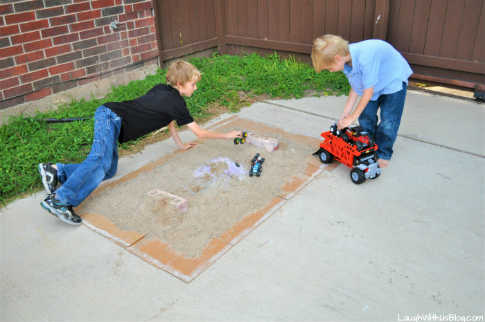 Hot Wheels Monster Trucks Backyard Course